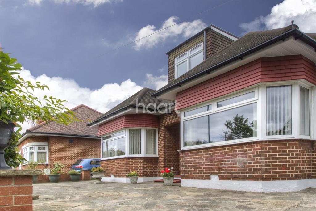 5 Bedrooms Bungalow for sale in Wood Lane, KINGSBURY, NW9 7NA