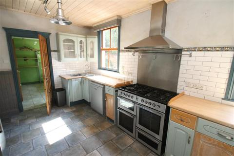 5 bedroom semi-detached house to rent - Dulverton Road, Leicester