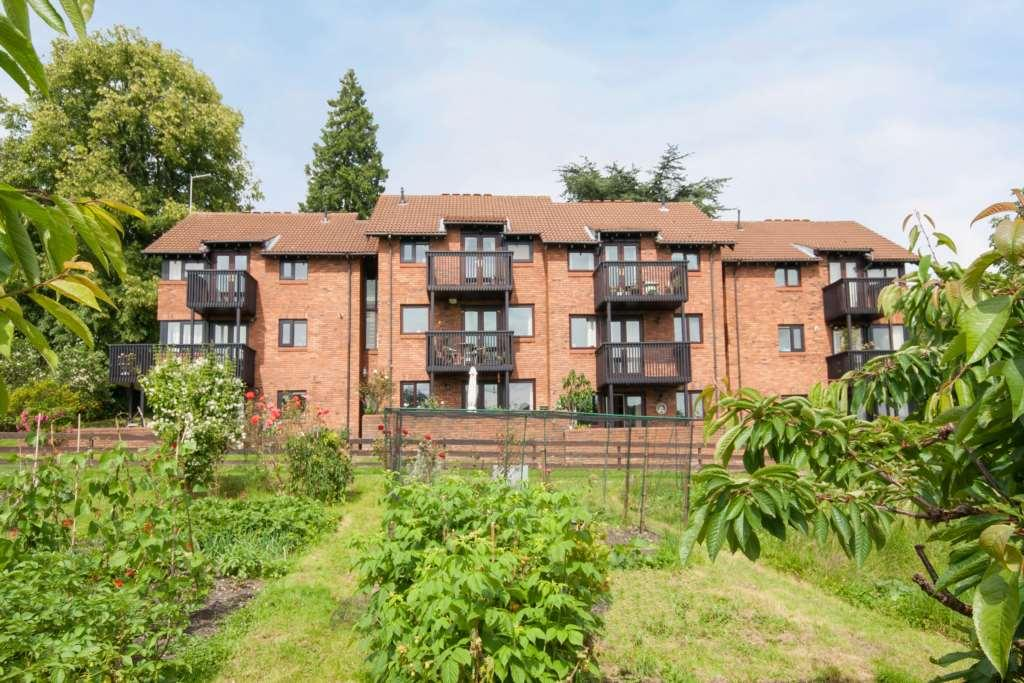 2 Bedrooms Apartment Flat for sale in Ivy House Lane, Berkhamsted