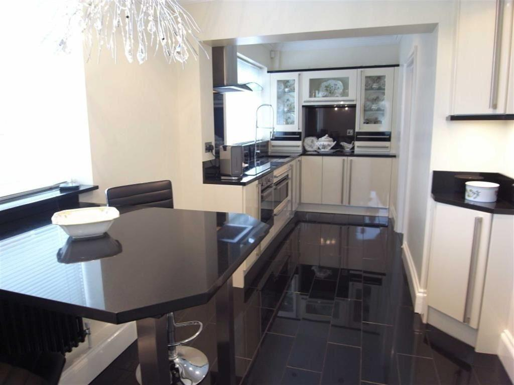 3 Bedrooms Semi Detached House for sale in The Fairway, Darlington