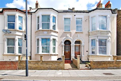 3 bedroom apartment to rent - Tooting Bec Road, London, SW17