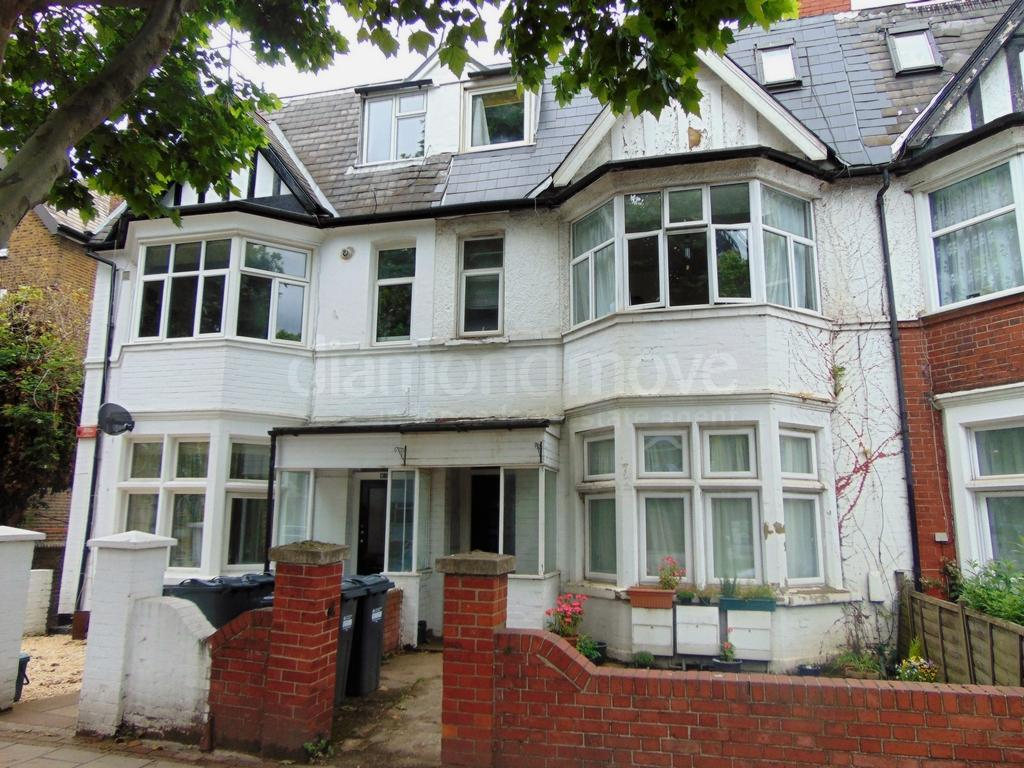 Boston Manor Road Brentford Tw8 2 Bed Flat 1200 Pcm 277 Pw