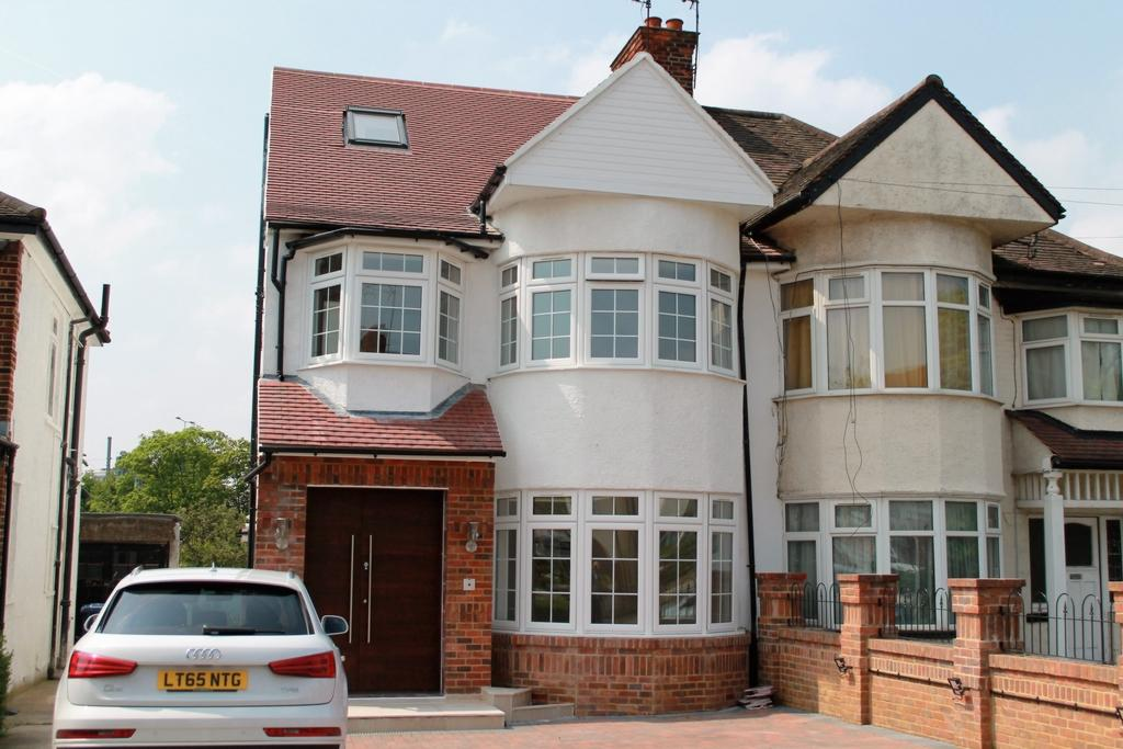 4 Bedrooms Semi Detached House for sale in Hall Lane, Hendon, NW4