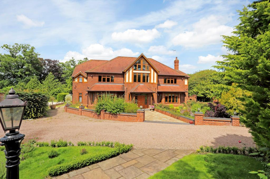 7 Bedrooms Detached House for sale in The Street, Rotherwick, Hampshire, RG27