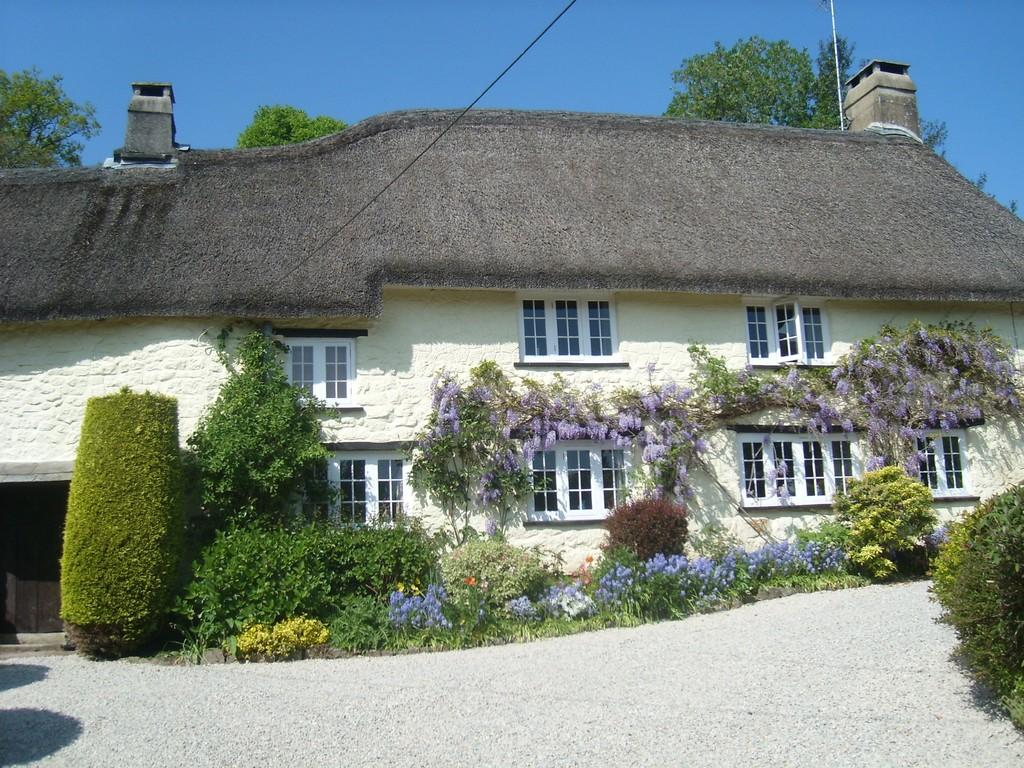 4 Bedrooms Farm House Character Property for sale in Chagford