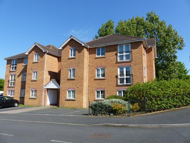 2 Bedrooms Ground Flat for sale in Barrow Close,Walsall Wood,Walsall