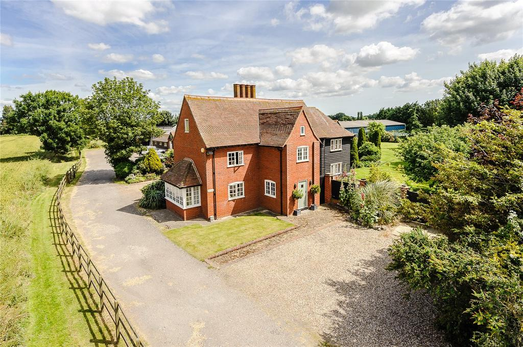 5 Bedrooms Detached House for sale in Mucking Hall Road, Barling Magna, Southend-on-Sea, Essex