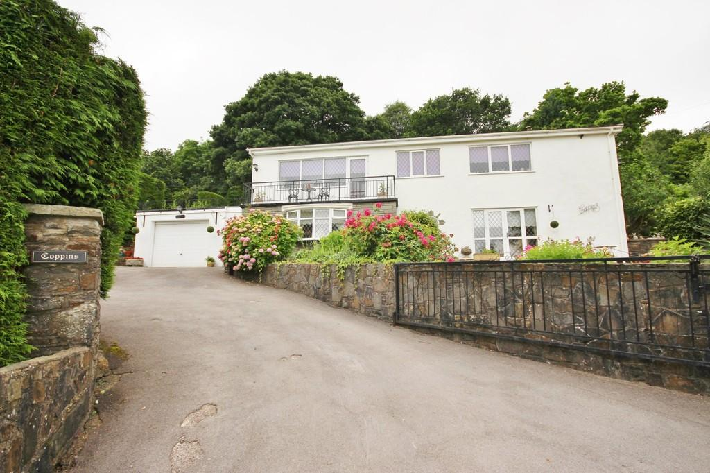 4 Bedrooms Detached House for sale in Dehewydd Lane, Llantwit Fardre, Pontypridd