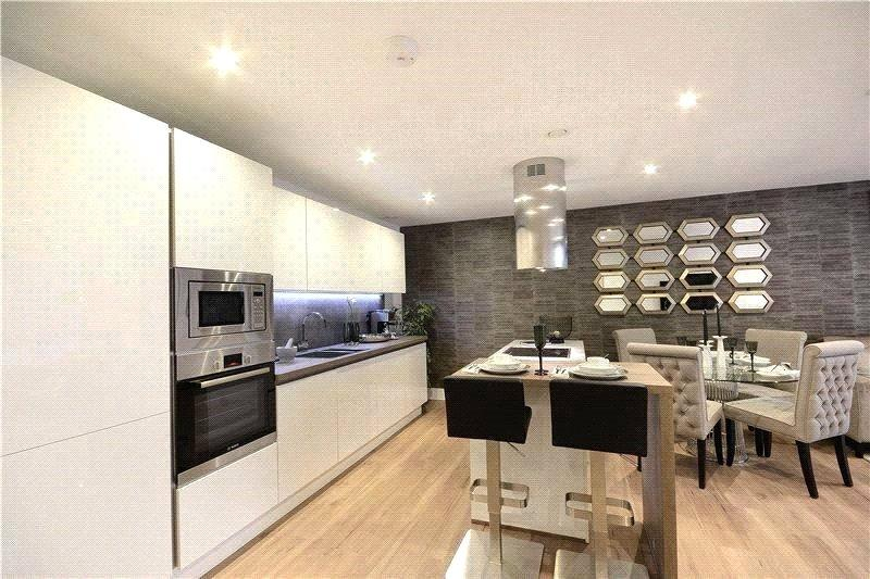 3 Bedrooms Flat for sale in Tavern Quay, Rope Street, London, SE16