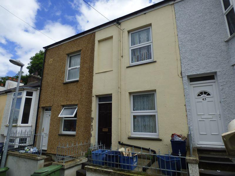 2 Bedrooms Terraced House for sale in Caellepa, Bangor, LL57 1HF