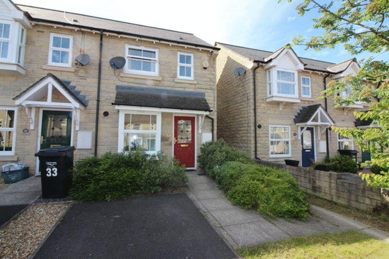 2 Bedrooms Semi Detached House for sale in Hastings Way, Halifax