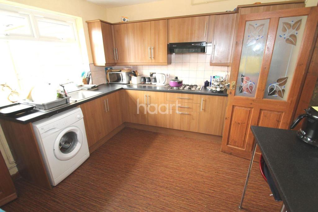 3 Bedrooms Semi Detached House for sale in Roman Pavement, Lincoln, LN2 5RD