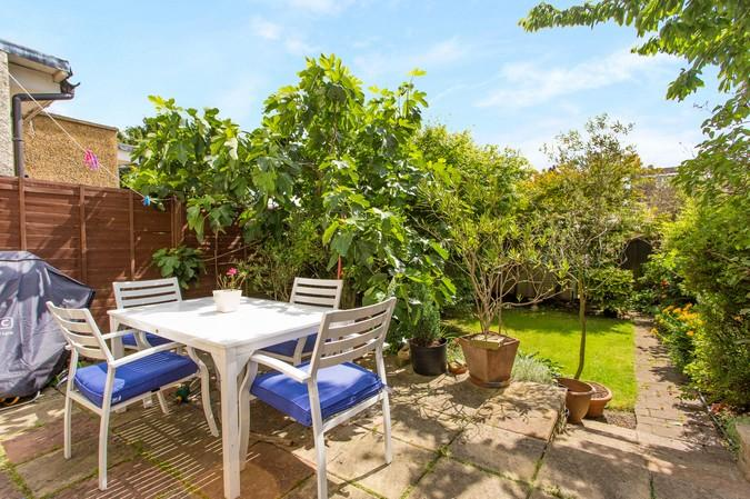 4 Bedrooms Terraced House for sale in Boston Manor Road, Brentford