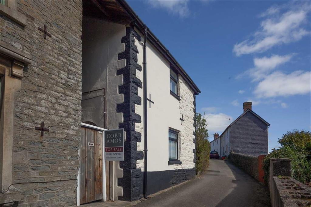 2 Bedrooms Cottage House for sale in Castle Road, KNIGHTON, Knighton, Powys