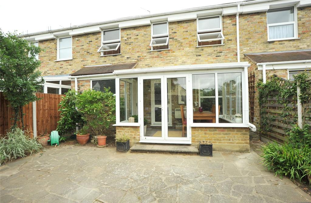 3 Bedrooms Terraced House for sale in Bakers Mews, Ingatestone, Essex, CM4