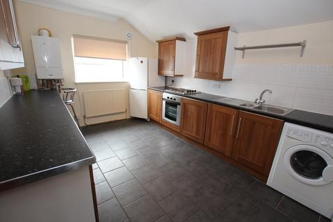 3 bedroom flat to rent - Mackintosh Place, Roath, Cardiff