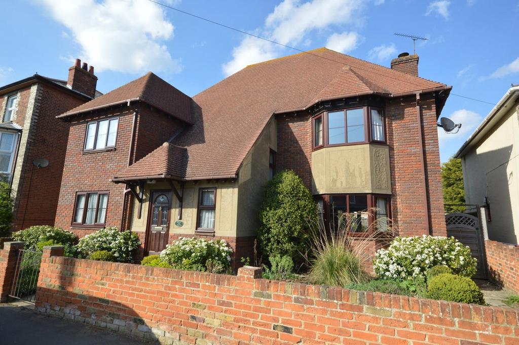 6 Bedrooms Detached House for sale in Western Road, Burnham-On-Crouch, Essex, CM0
