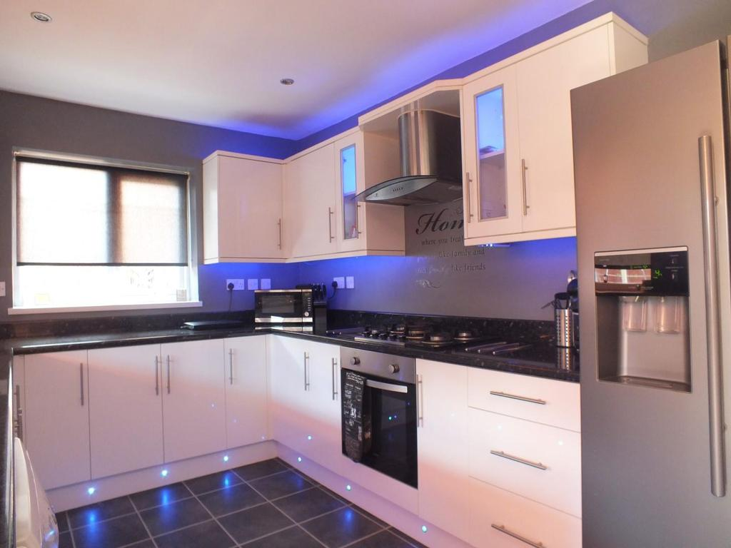 3 Bedrooms Semi Detached House for sale in Briarwood Road, Blyth