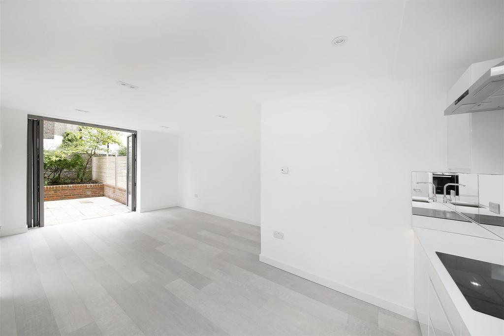 2 Bedrooms Flat for sale in Denbigh Street, London, SW1V