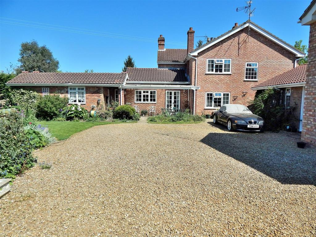 5 Bedrooms Semi Detached House for sale in Tuxhill Road, Terrington St. Clement, King's Lynn