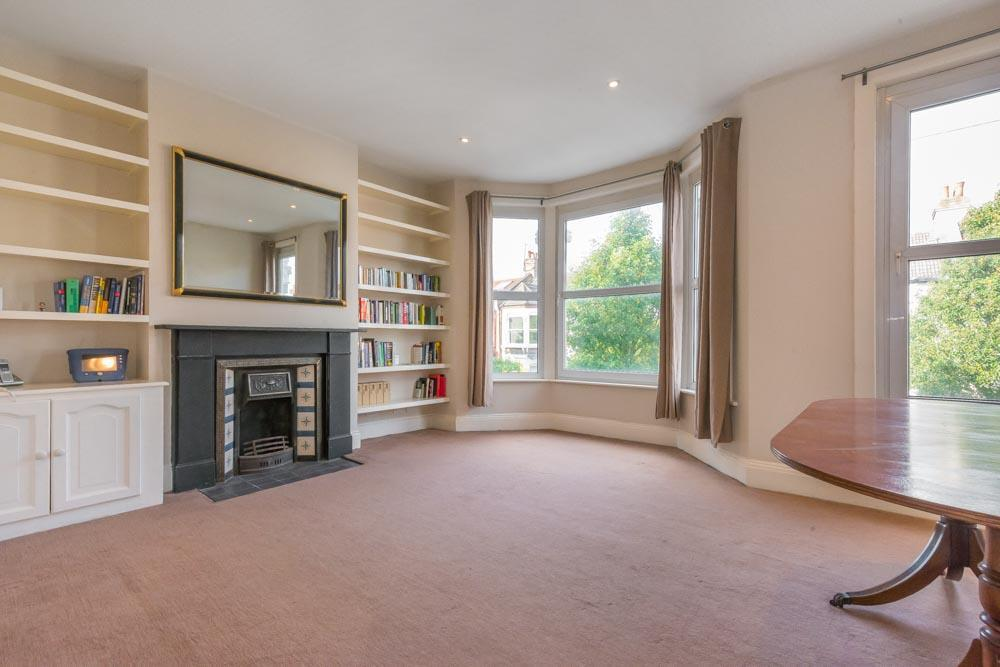 2 Bedrooms Flat for sale in Burrows Road, London, NW10