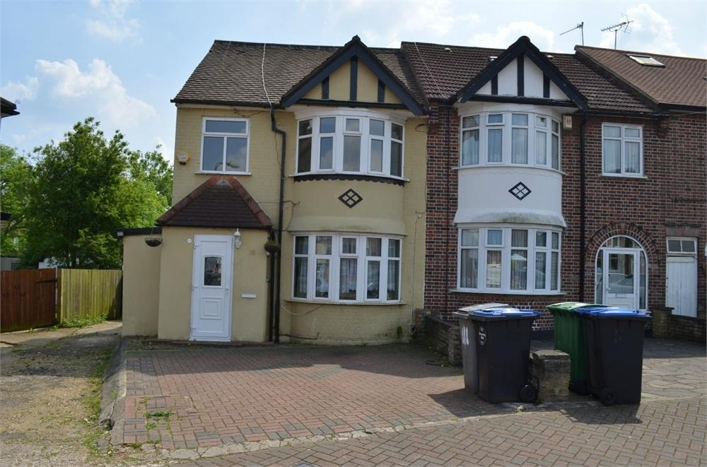 5 Bedrooms End Of Terrace House for sale in Church Drive, London