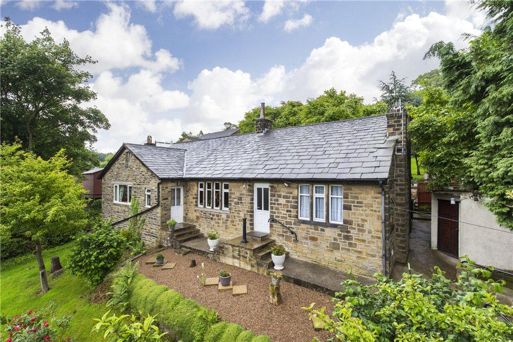 3 Bedrooms Detached Bungalow for sale in High Bank Bungalow, Halifax Road, Keighley, West Yorkshire