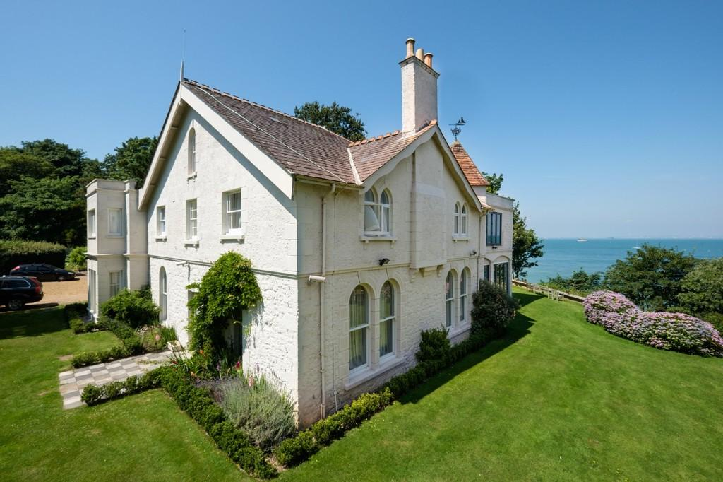 8 Bedrooms Detached House for sale in Bembridge, Isle of Wight