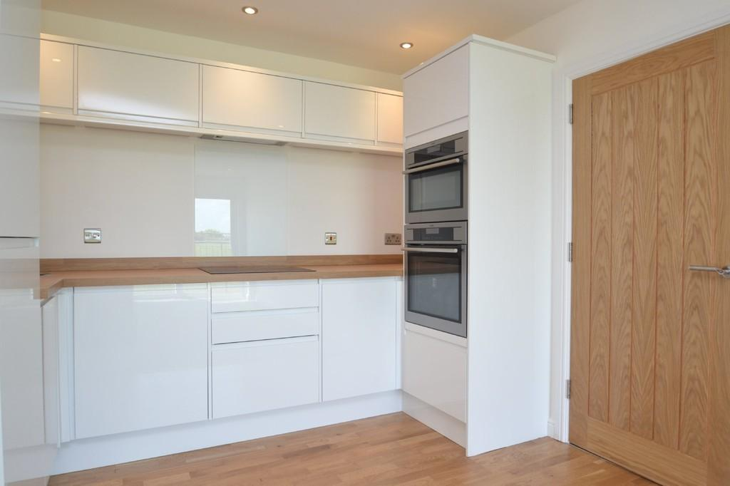 1 Bedroom Apartment Flat for sale in Shore Road, Bonchurch