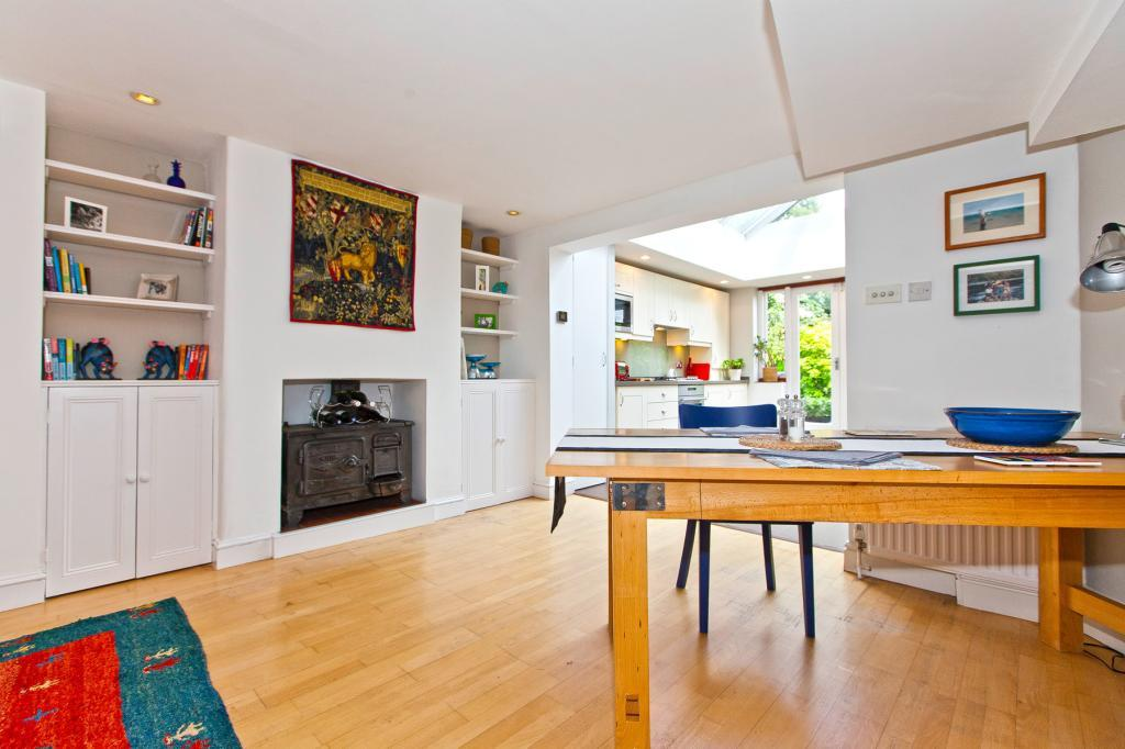 3 Bedrooms Terraced House for sale in Holmesdale Road, Highgate, London, N6