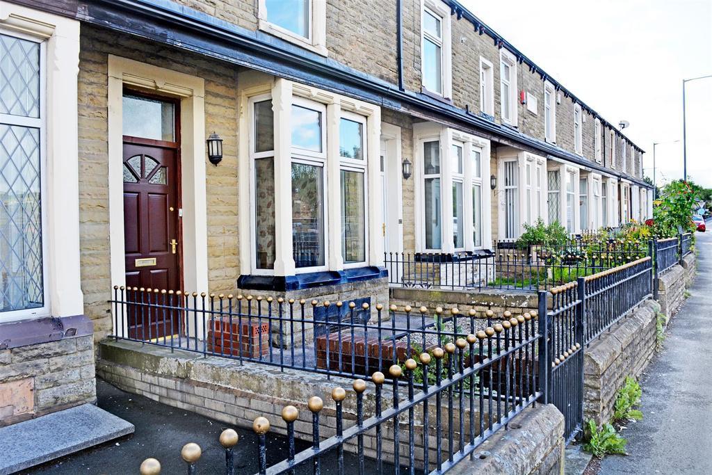 2 Bedrooms Terraced House for sale in Todmorden Road, Burnley