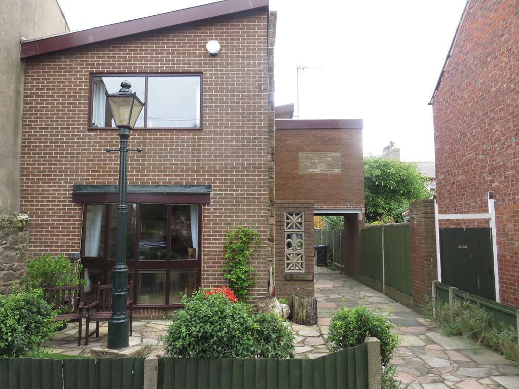 3 Bedrooms Link Detached House for sale in CUSTOM HOUSE LANE, FLEETWOD FY7