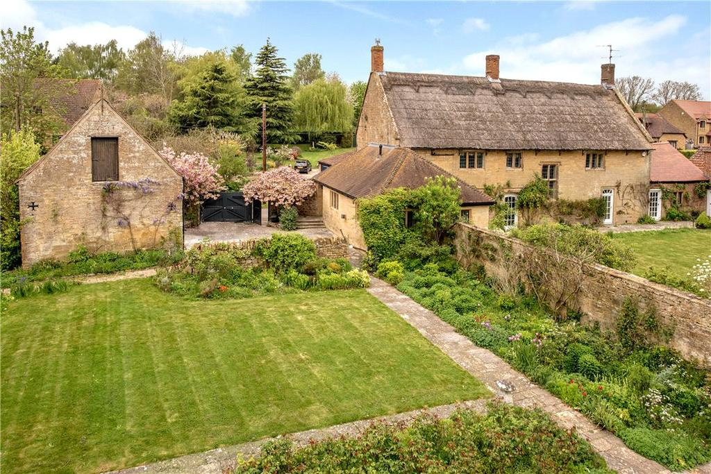 4 Bedrooms Detached House for sale in Burrough Street, Ash, Martock, Somerset, TA12