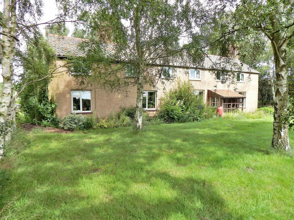 4 Bedrooms Detached House for sale in Hillington, Norfolk