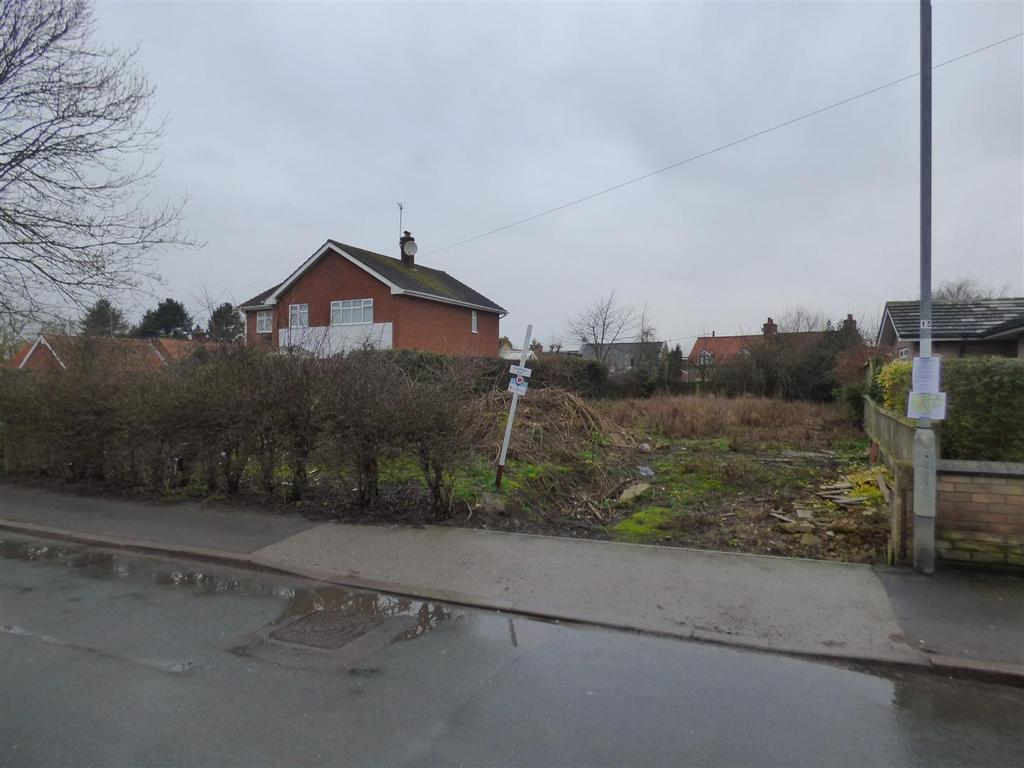 4 Bedrooms Detached House for sale in 54 Main Street, WAWNE, HU7 5XH