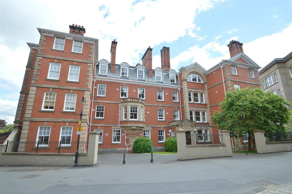 2 Bedrooms Apartment Flat for sale in 23 Watergate Mansions, St. Marys Place, Shrewsbury, SY1 1DW