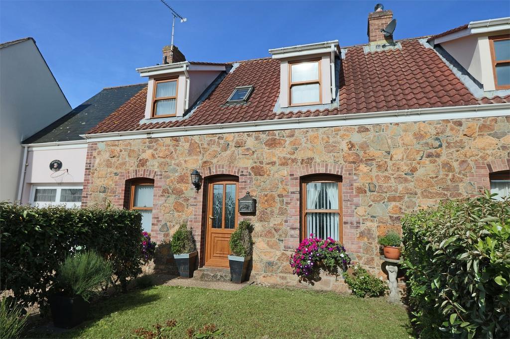 3 Bedrooms Terraced House for sale in Nouveau Espoir, 8 Rouvets de Bas, Perelle, St Saviour's, TRP 136