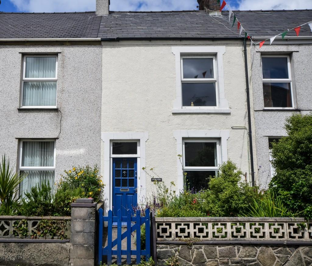 3 Bedrooms Terraced House for sale in Bangor Street, Y Felinheli, North Wales