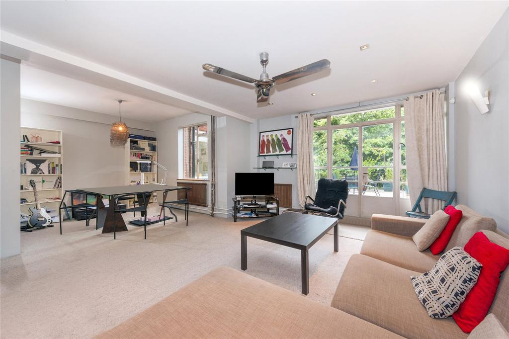 2 Bedrooms Flat for sale in Cranfield House, 97-107 Southampton Row, London
