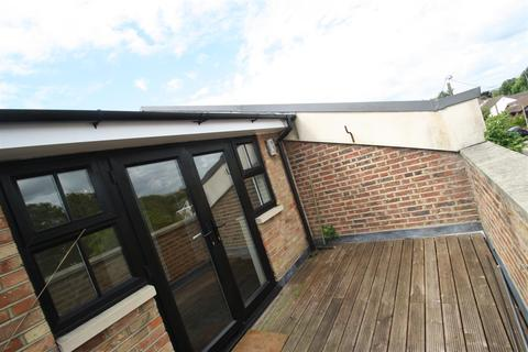 2 bedroom mews to rent - Feeches Road, Prittlewell, Southend on Sea