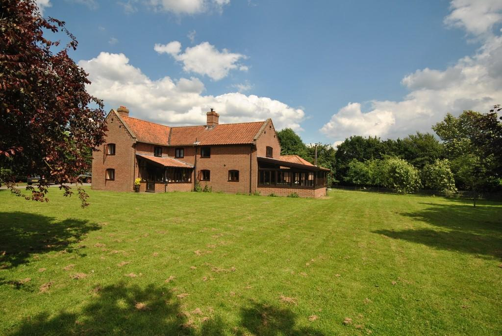 4 Bedrooms Detached House for sale in Needham, Norfolk
