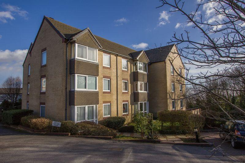 1 Bedroom Retirement Property for sale in Homeside House, Bradford Place, Penarth
