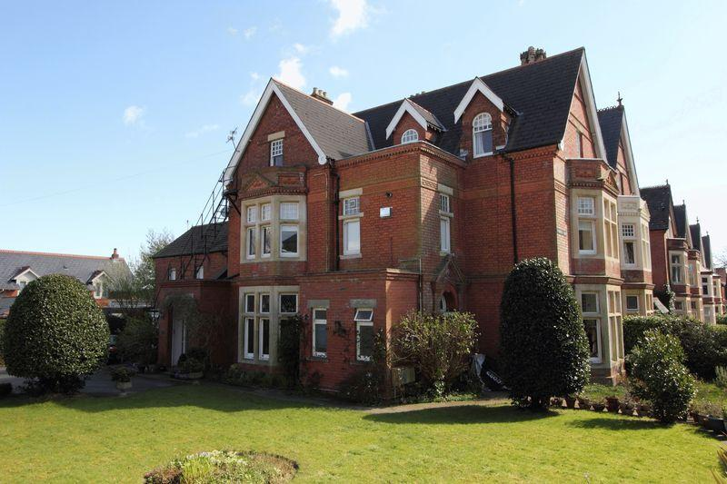 1 Bedroom Flat for sale in Plymouth Road, Penarth