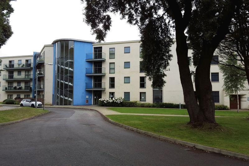 2 Bedrooms Apartment Flat for sale in Hayes Road, Penarth