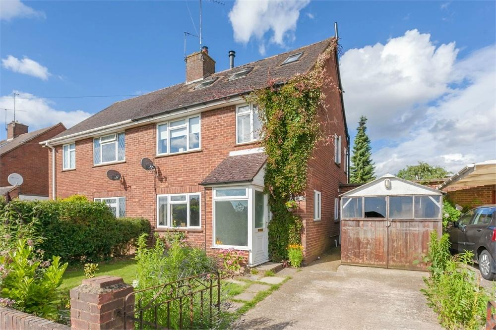 4 Bedrooms Semi Detached House for sale in Waborne Road, Bourne End, Buckinghamshire