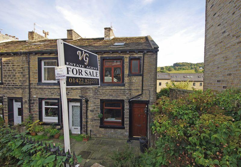 3 Bedrooms Cottage House for sale in 19 Rochdale Road, Ripponden, HX6 4DS