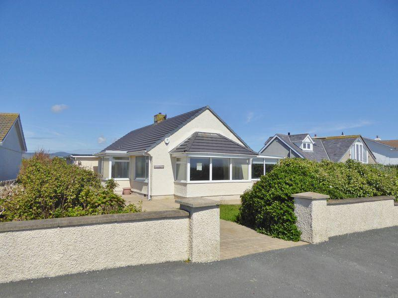3 Bedrooms Detached Bungalow for sale in Sea Brow, Clifton Road, Port St Mary