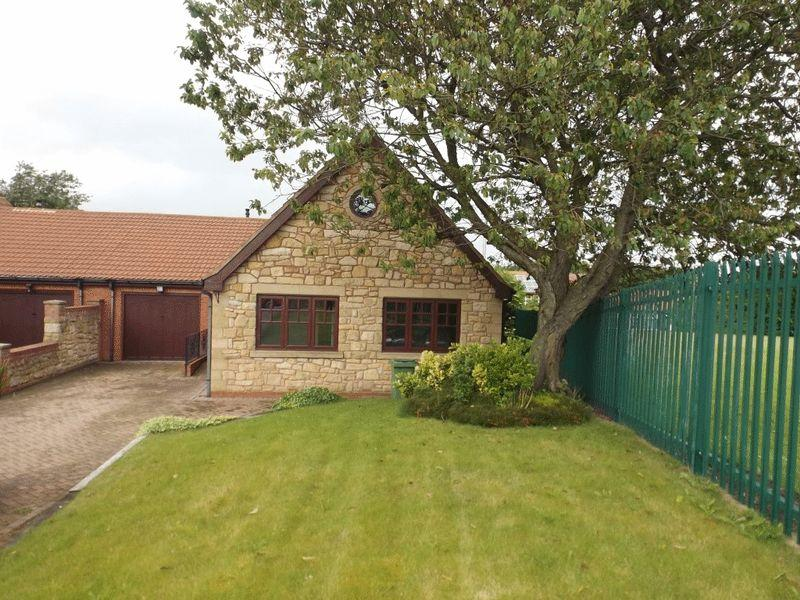 3 Bedrooms Bungalow for sale in Stead Lane, Bedlington
