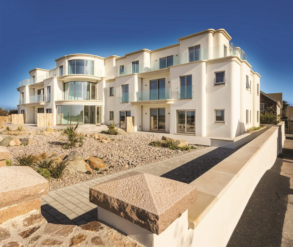 2 Bedrooms Penthouse Flat for sale in Cobo, Castel, Guernsey