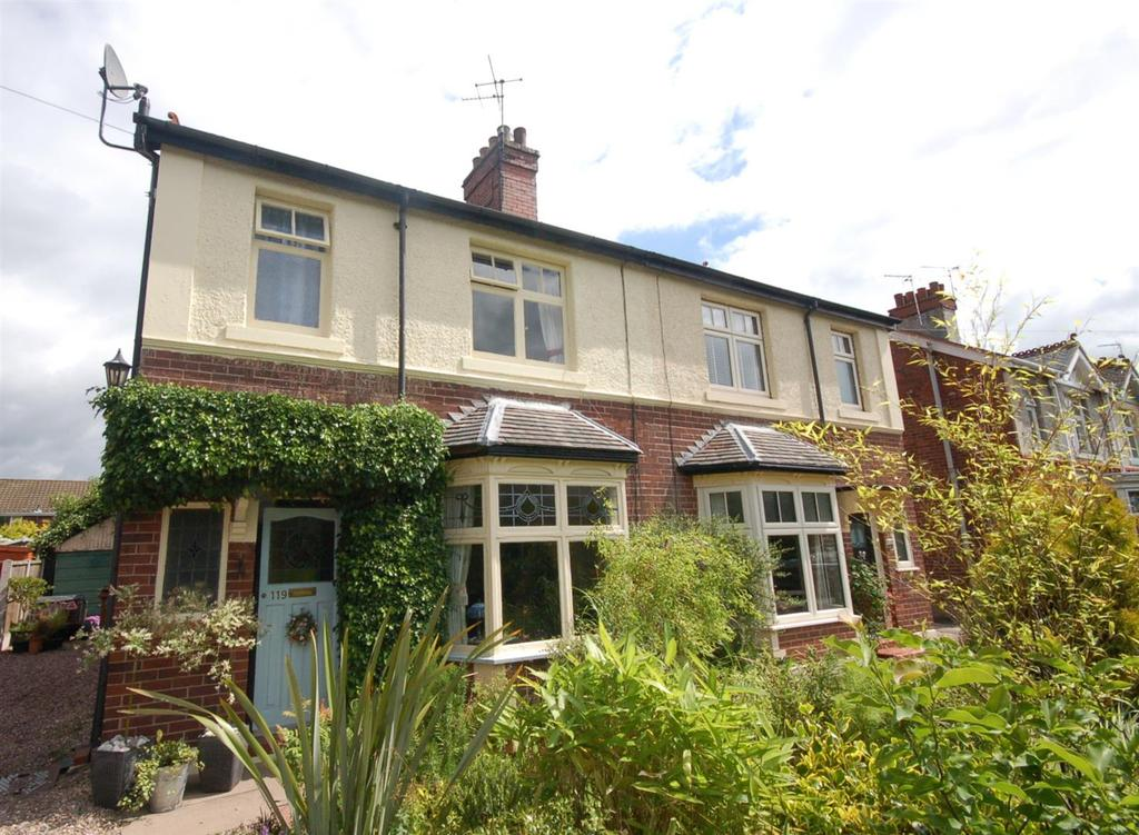 3 Bedrooms Semi Detached House for sale in Sandbach Road North, Alsager